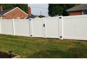 Chesapeake fencing contractor Mister Fence, Inc.