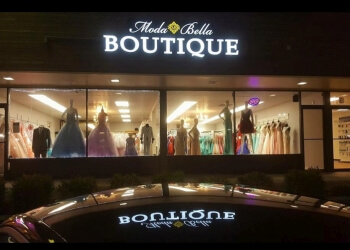 Vancouver bridal shop Moda Bella Boutique Prom & Quinceanera Dresses