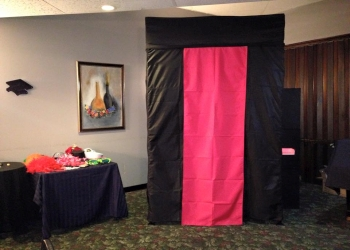 Wichita photo booth company Modern Moments Photo Booth Rentals