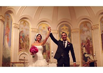 Eugene videographer Moetic Wedding Films