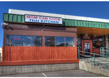 Santa Clarita thai restaurant Mom Can Cook Thai Kitchen