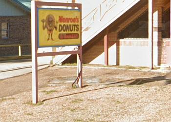 Jackson bakery Monroe's Donuts & Bakery