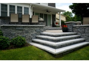 Naperville landscaping company Montano's Landscaping, Inc.