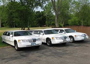 Akron limo service Moonlight Limo Service