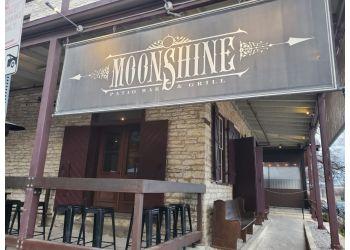 Austin american cuisine Moonshine Grill