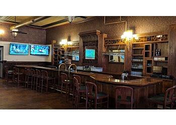 Pueblo sports bar Mo's Sports Bar and Lounge