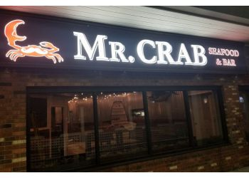 Bridgeport seafood restaurant Mr. Crab Seafood & Bar