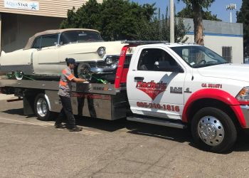 Oxnard towing company NACHOS TOWING SERVICE