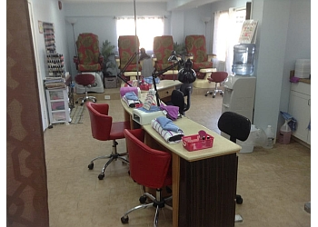 Honolulu nail salon Nail Zone