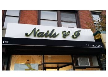 Jersey City nail salon Nails & I