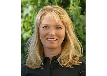 Phoenix physical therapist Natalie Semon, PT, MPT, CSCS, Cert.DN, CKTP - CAMELBACK SPORTS THERAPY