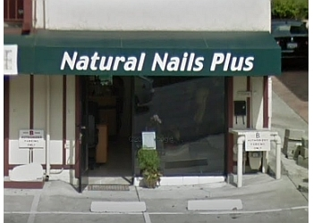 Oakland nail salon Natural Nails Plus