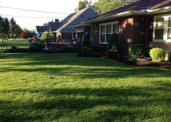 Buffalo lawn care service Nature's Lawn & Garden, Inc.