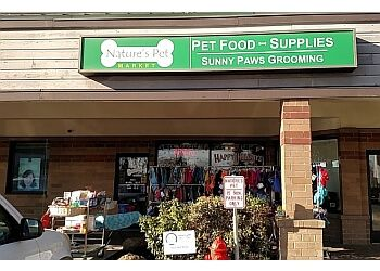 Salem pet grooming Nature's Pet Market & Sunny Paws Grooming