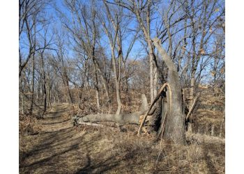 Omaha hiking trail Neale Woods Nature Center