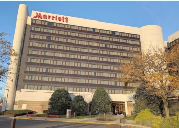 Newark hotel Newark Liberty International Airport Marriott