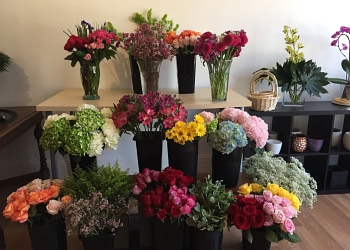 Vallejo florist Nikkibana Floral Designs