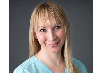 Arlington gynecologist Noelle R Niemand, MD