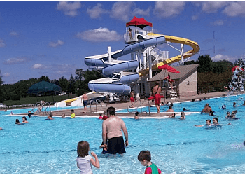Cedar Rapids amusement park Noelridge Aquatic Center