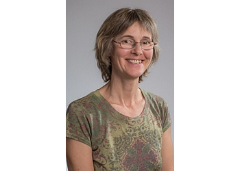 Tucson endocrinologist Nora Barsony, MD