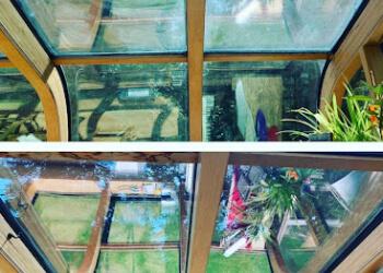 Spokane window cleaner Northwest Glass Act