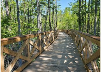 Chesapeake hiking trail Northwest River Park