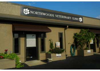 Charleston veterinary clinic Northwoods Veterinary Clinic