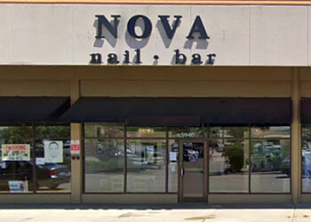 Rockford nail salon Nova Nail Bar