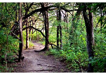 Dallas hiking trail Oak Cliff Nature Preserve Trail