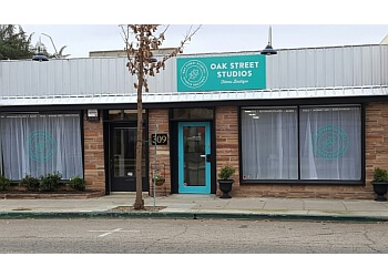 Visalia yoga studio Oak Street Studios