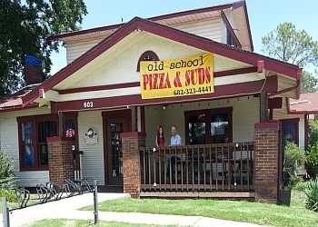 Arlington pizza place Old School Pizza & Suds