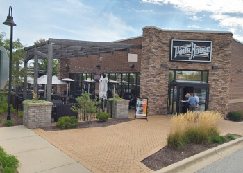 Naperville american restaurant Old Town Pour House