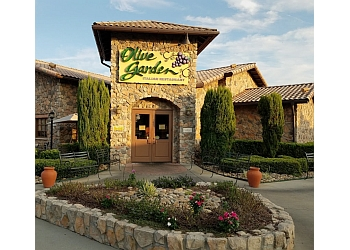 Athens italian restaurant Olive Garden