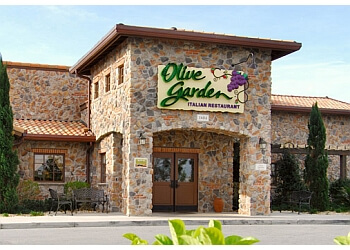 3 best italian restaurants in pasadena tx threebestrated for Olive garden houston locations