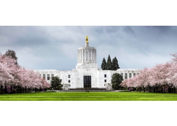 Salem landmark Oregon State Capitol