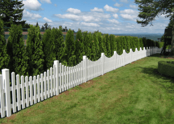 Salem fencing contractor Outdoor Fence Co.
