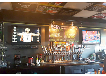 Oceanside sports bar PCH Sports Bar & Grill