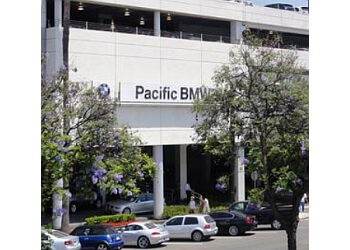 Glendale car dealership Pacific BMW