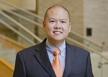 Knoxville orthopedic Paul F Yau, MD