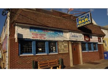 Paterson sports bar Paul's Bar & Bowling