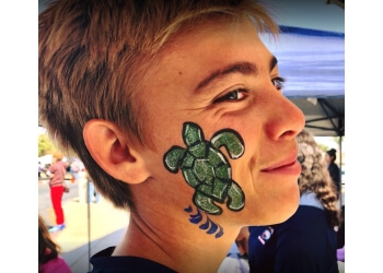Moreno Valley face painting Peachy Cheeks Face Painting, Balloon Twisting and More!