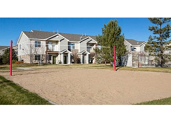 Fort Collins apartments for rent Peakview by Horseshoe Lake