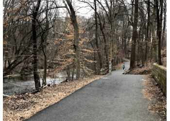 Philadelphia hiking trail Pennypack Park