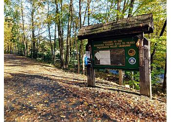 Bridgeport hiking trail Pequonnock River Valley State Park