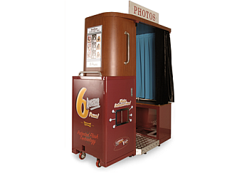Henderson photo booth company PhotoWorks Interactive PhotoBooth