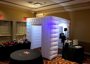 Cleveland photo booth company Picture Perfect Photobooth Rentals Cleveland