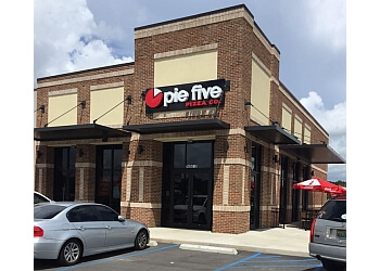 Mobile pizza place Pie Five Pizza Co.