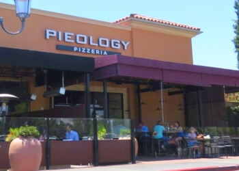 Irvine pizza place Pieology Pizzeria