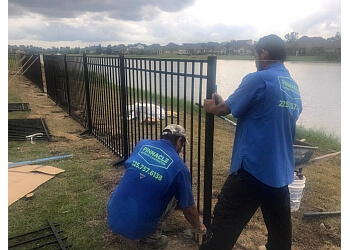 Baton Rouge fencing contractor Pinnacle Exterior Construction, LLC