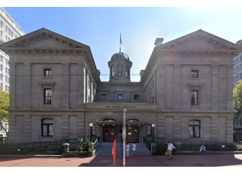 Portland landmark Pioneer Courthouse
